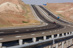 تردد در تمامی محورهای خوزستان بدون مشکل جریان دارد