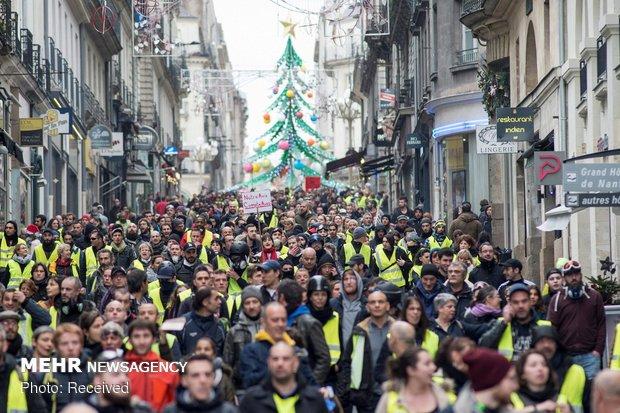 ادامه تظاهرات در پاریس