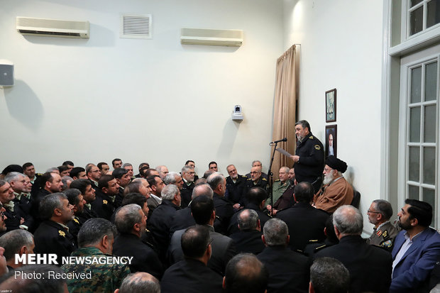 Leader meets with police forces, commanders