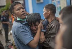 ارتفاع حصيلة ضحايا تسونامي إندونيسيا