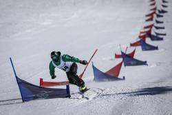 "مشاهد من مسابقات التزلج ""اسنوبرد"" في طهران /صور"