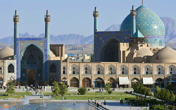 Isfahan attracts 290,000 foreign travelers in H1