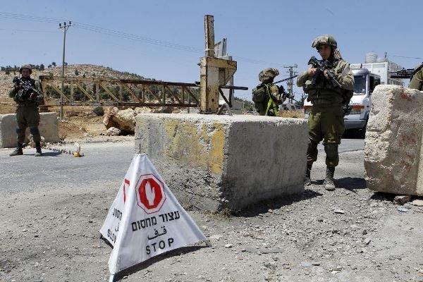 بازداشت و ضرب و شتم وزیر تشکیلات خودگردان فلسطین توسط اسرائیل