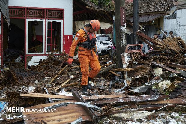 Endonezya'daki tsunamide ölü sayısı artıyor