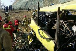 تعداد قربانیان واژگونی اتوبوس دانشگاه آزاد به ۹ نفر رسید