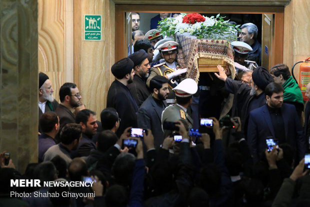 Officials bid farewell to senior cleric Ayatollah Shahroudi