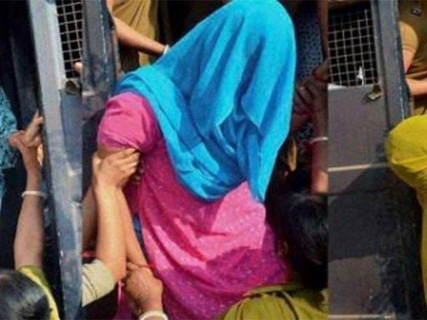 ہندوستان میں بیٹی نے ماں کو قتل کردیا
