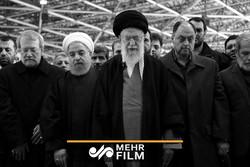 إقامة الصلاة على جثمان الفقيد اية الله هاشمي شاهرودي / فيديو