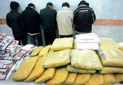 کشف بیش از ۲ تن انواع مواد مخدر و دستگیری ۱۳ قاچاقچی در هرمزگان