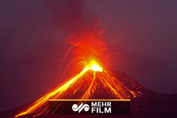 VIDEO: Violent eruptions of 'Anak Krakatoa' volcano in Indonesia