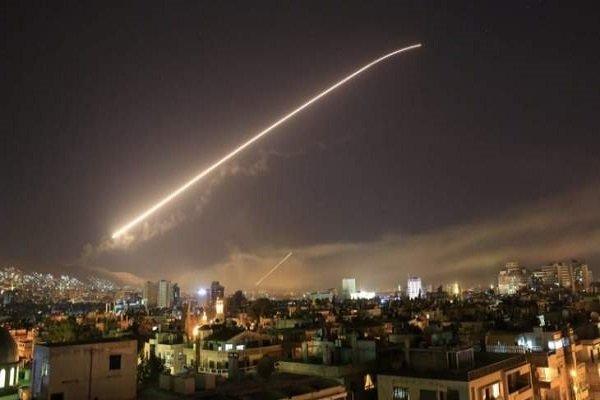 الدفاعات الجوية السورية تصدت لصواريخ معادية أطلقها الطيران الحربي الإسرائيلي