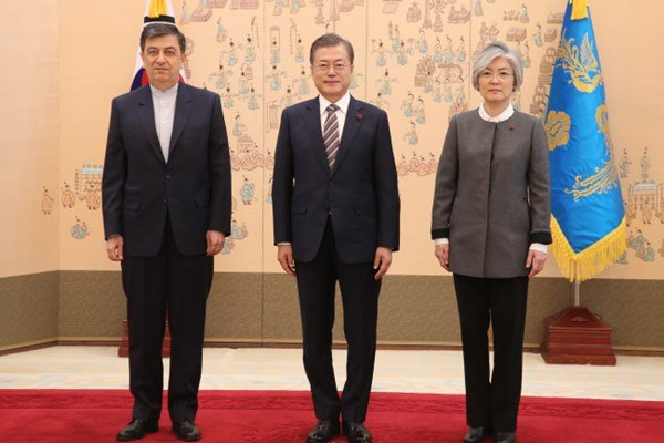 New Iranian amb. submits credentials to South Korean president