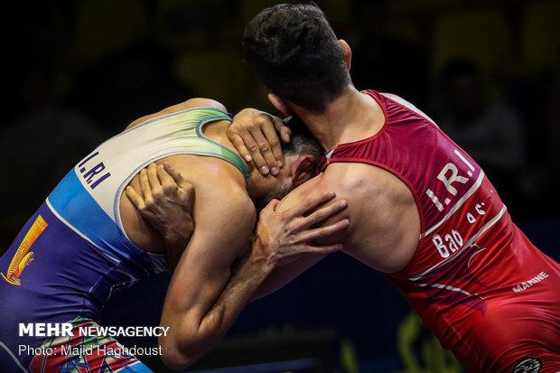 İranlı güreşçiden Türkiye'de bronz madalya