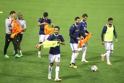 ورود تماشاگران به تمرین تیم ملی/ دو بازیکن اختصاصی تمرین کردند