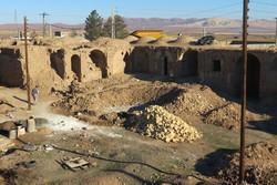 مرمت کاروانسرای طرلاب در قم آغاز شد