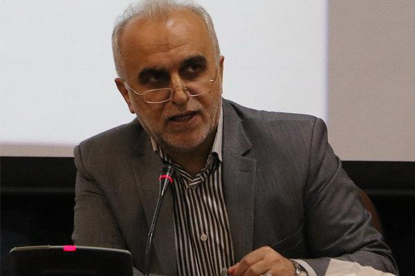 وزیر اقتصاد و دارایی دقایقی پیش وارد گلستان شد