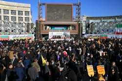 İran'da 30 Aralık destanının yıldönümü törenleri düzenlendi