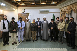 Islamic Development Organization head meets with artists, writers, journalists