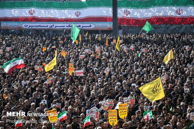 مراسم بزرگداشت یوم الله ۹ دی در میدان امام حسین (ع)