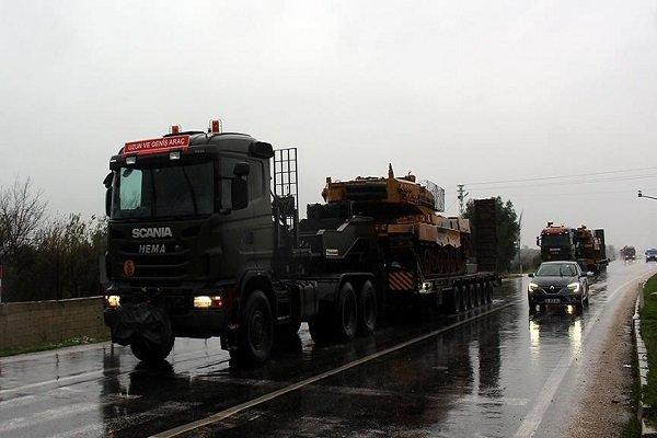 TSK'nın Suriye sınırına askeri sevkiyatı sürüyor