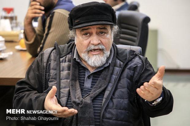 Islamic Development Organization head meets with artists, writers, journalists