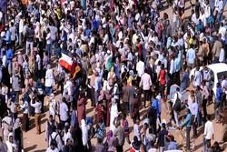 السودانيون يتوجهون نحو القصر الجمهوري