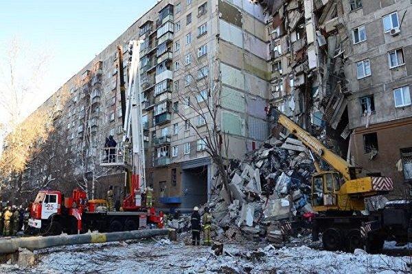 قتلى وجرحى ومفقودون إثر انهيار مبنى سكني في روسيا