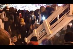 فلم/ ماسکو میں نئے سال کی تقریب کے دوران پل گر گیا