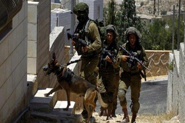 الاحتلال يشن حملة اعتقالات ومداهمات في الضفة الغربية