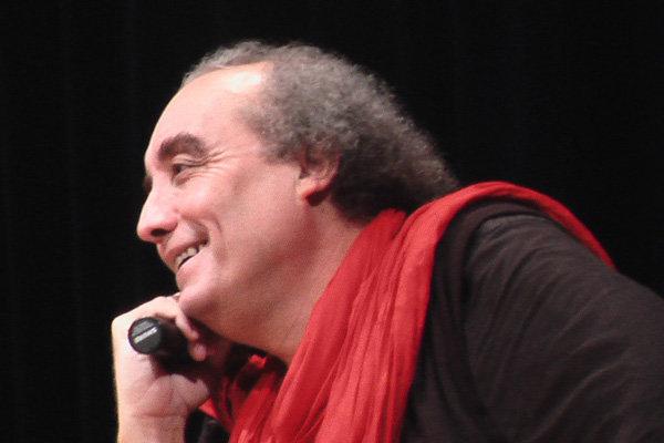 """الروائي الجزائري """"واسيني الأعرج"""" يشارك في مؤتمر ادبي وسينمائي في إيران"""