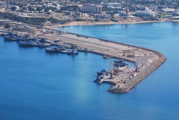 Five ships dock at Chabahar Port