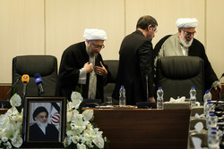 Expediency Council holds 1st session with Ayatollah Amoli as chairman
