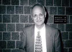 آثاری از عبدالحسین زرینکوب تجدید چاپ شد