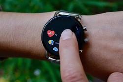کنترل ماشین لباسشویی و خشک کن با ساعت هوشمند