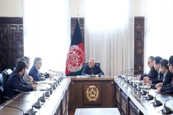 Araqchi briefs Ghani on Iran's talks with Taliban