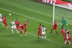 میزبان از شکست در دیدار افتتاحیه گریخت/ پنالتی به داد امارات رسید
