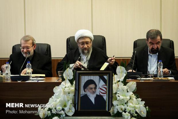 ایران کی تمام قوا کو عوامی مشکلات کو حل کرنے پر توجہ مبذول کرنی چاہیے