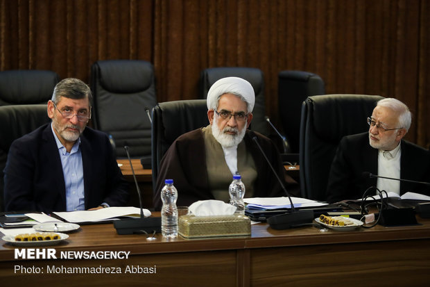 Expediency Council holds first session with Ayatollah Amoli as chairman