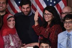 """عضو الكونغرس """"رشيدة طليب"""" تزيل """"اسرائيل"""" وتضع فلسطين على الخارطة"""