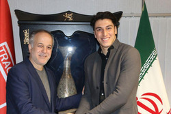 دروازه بان پیشین تیم ملی فوتبال ایران به تراکتورسازی پیوست