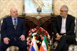 Iran, Slovakia call for expanding bilateral trade coop.