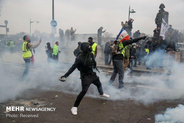 ادامه اعتراضات در فرانسه در سال جدید