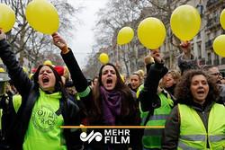 زنان جلیقه زرد هم به میدان آمدند