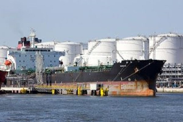 Japan's JXTG, Cosmo aim to resume Iran oil loadings at end-Jan.