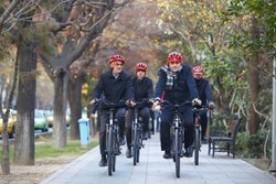 Tehran Mayor calls on students to join 'car-free Tuesdays' campaign