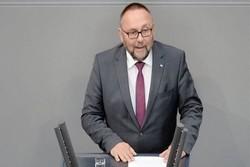 نماینده پارلمان آلمان هدف حمله قرار گرفت و زخمی شد