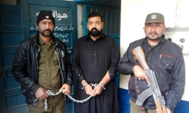پاکستانی پولیس نے کالجوں اور یونیورسٹیوں میں منشیات تقسیم کرنے والا اسمگلر گرفتار کرلیا