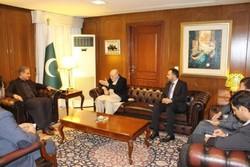 دیدار نماینده ویژه رئیس جمهوری افغانستان با وزیر خارجه پاکستان