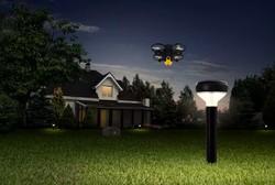 پهپاد و چراغ های هوشمند امنیت حیاط خانه را تامین می کنند