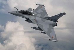 Fransa'da savaş uçağı kayboldu